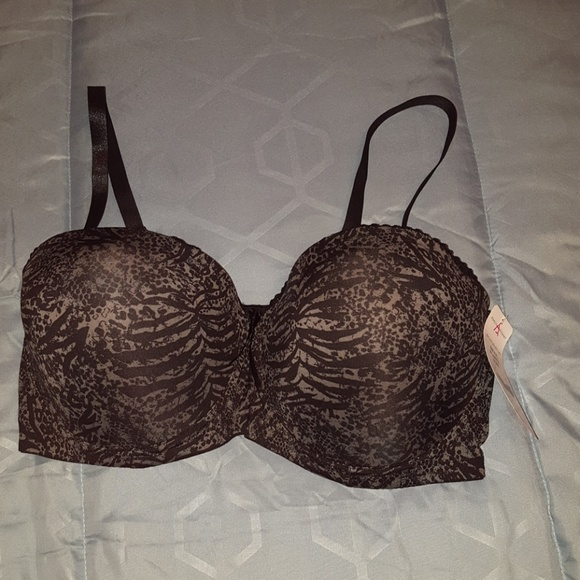 Ashley Stewart Other - NWT Ashley Stewart convertable bra